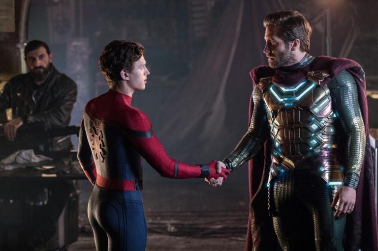 Tom Holland (Peter Parker) opposite Jake Gyllenhaal (Mysterio) in Spider-Man: Far From Home.