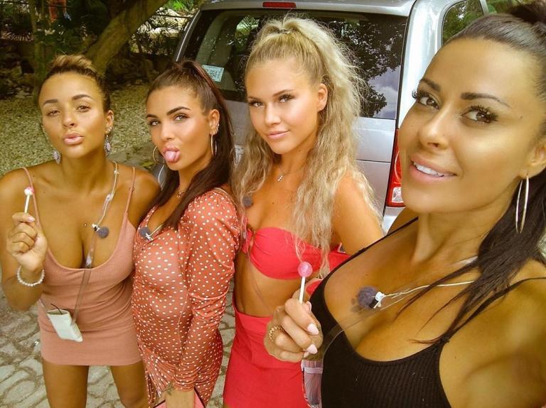 Rym, Nathanya, Cassandra and Shanna